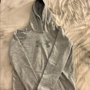 Grey women's Under Armour sweat shirt